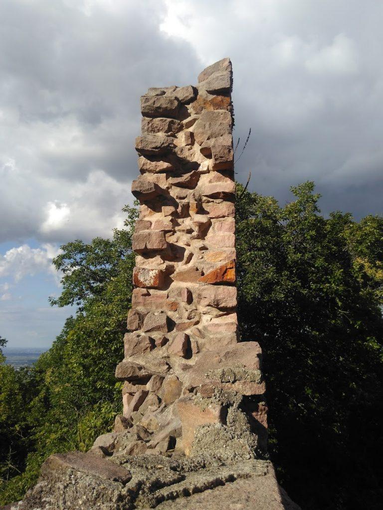 Cross-section of a wall between Castles 2 & 3 at Eguisheim